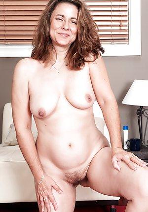 Hot nude milf gallery